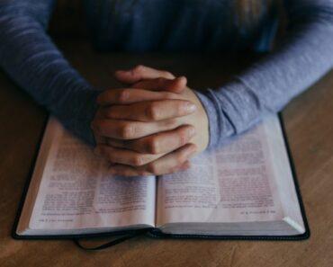 Cómo empezar a leer la Biblia como buen cristiano