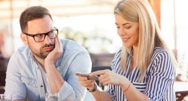cómo afectan las redes sociales en las relaciones de pareja